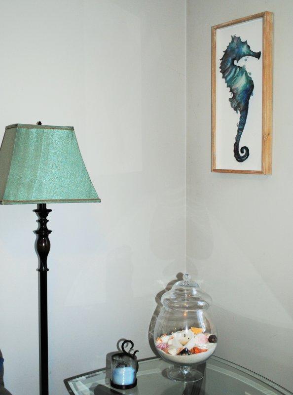 Lampade e arte colorata