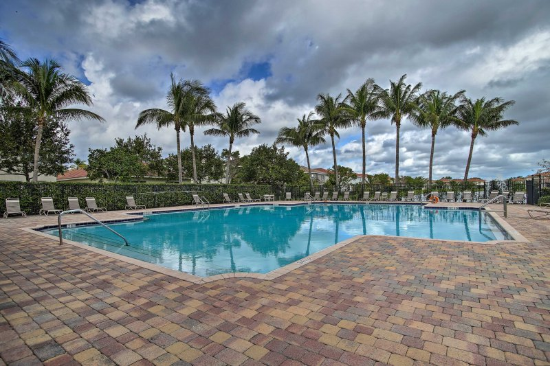 Explore Riviera Beach from this vacation rental townhome!