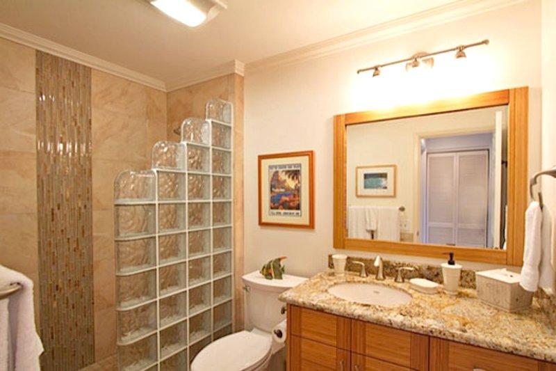 Tile begehbare Duschen in beiden Bädern