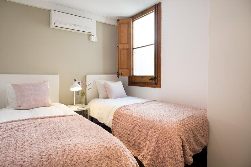 otra vista del segundo dormitorio con 2 camas individuales