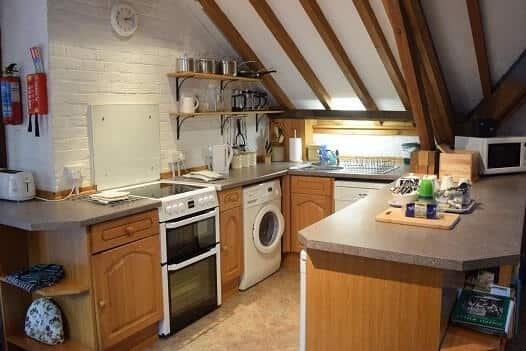Keuken in Graansilo is opgenomen in de grote woonkamer