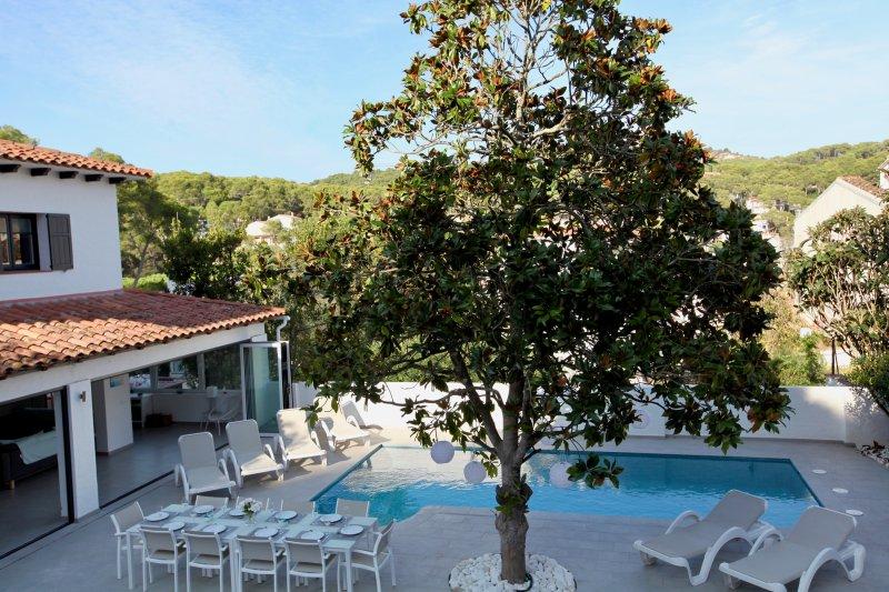Tamariu Holiday Home Sleeps 10 with Pool and Air Con - 5489644, holiday rental in Tamariu