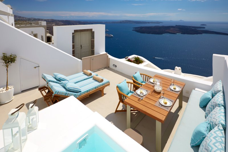 Cave House, Caldera View, Outdoor Heated Jacuzzi, holiday rental in Santorini