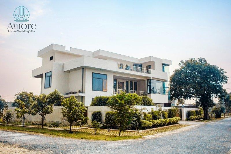 Amore Luxury Villa, holiday rental in Ludhianar District