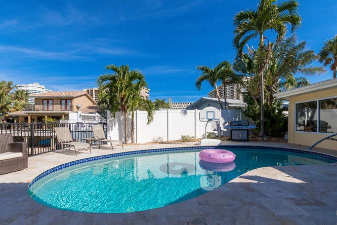 Waterfront Vacation home rental Coral Reef Beach House – semesterbostad i Lauderdale by the Sea
