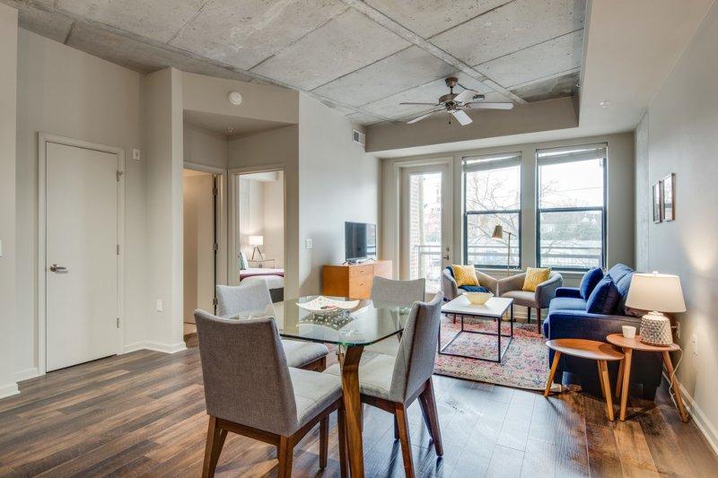 Dormigo Luxury 1 Bedroom Apartment In The Heart Of Midtown Updated