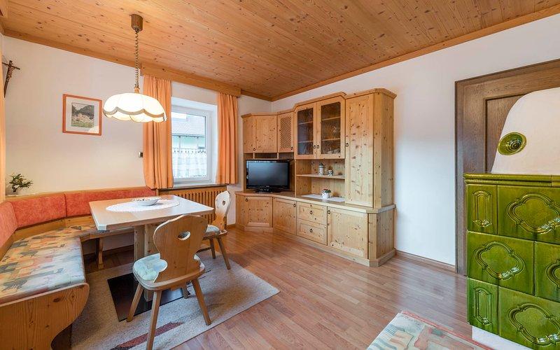 Stube en el apartamento del Tirol MARION estilo Cesa Rabanser Apartamentos Ortisei / Val Gardena Dolomitas
