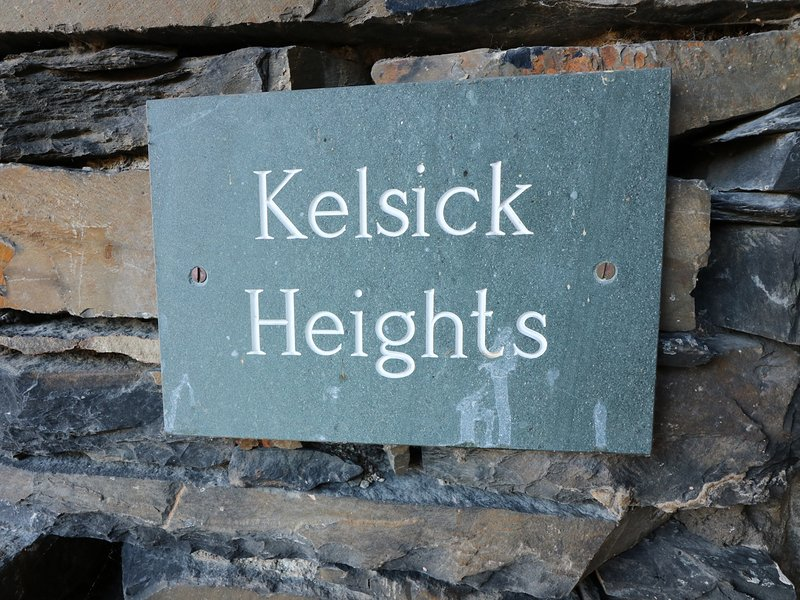 KELSICK HEIGHTS, spacious apartment, luxurious, en-suite,jacuzzi bath, in, holiday rental in Ambleside