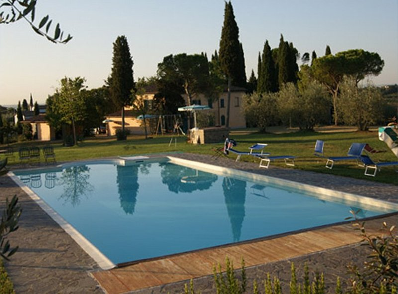 Marciano della Chiana Villa Sleeps 22 with Pool and WiFi - 5228732, vacation rental in Cesa