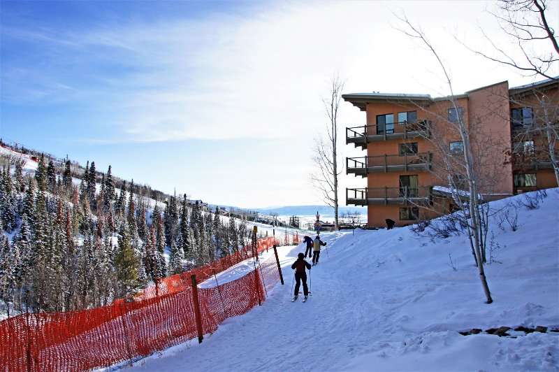 Exterior view from the ski in access trail