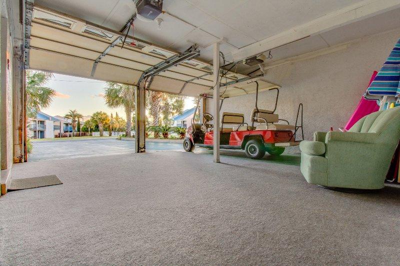 Il golf cart non è incluso. I noleggi di golf cart sono disponibili presso le aziende locali.