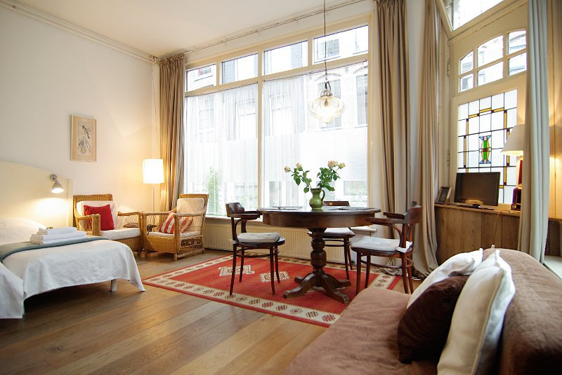 elf studio: comfortable apartment in Jordaan Area, holiday rental in Amsterdam