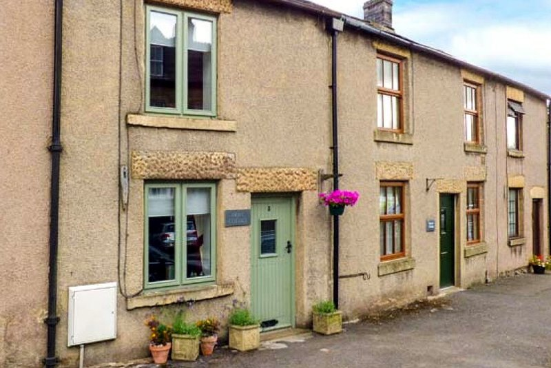 Dove Cottage, Tideswell in the Peak District, holiday rental in Millers Dale