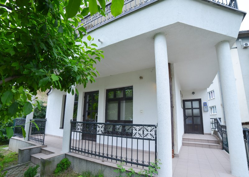Moment Apartmani - hostel - lovely place to stay in Tuzla, holiday rental in Banovici