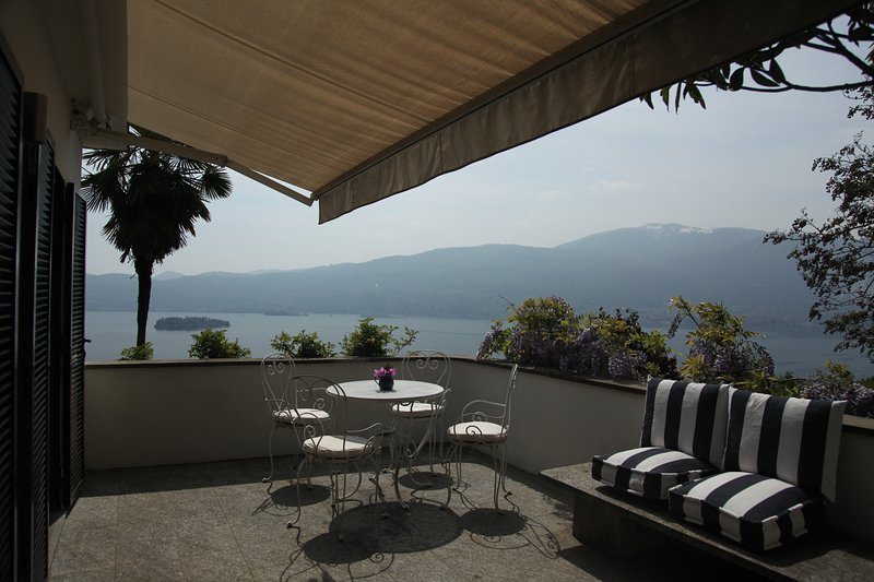 Exceptional Views on Lake Maggiore, holiday rental in Pallanza