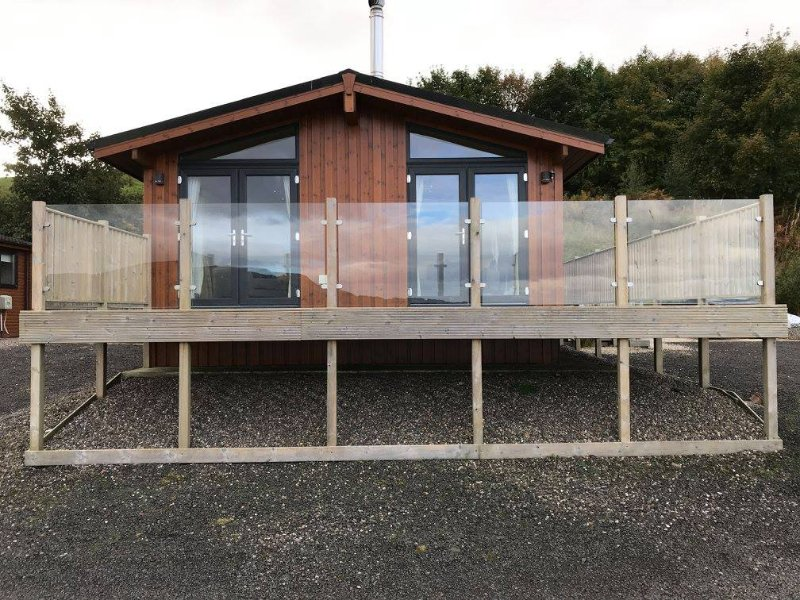 Lodge 14, Luxury Self Catering Lodge Overlooking Loch Leven, holiday rental in Falkland