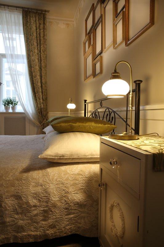 Bedroom lamps detail