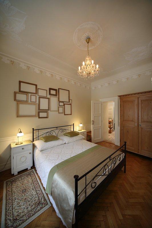 Master bedroom with en suite master bath