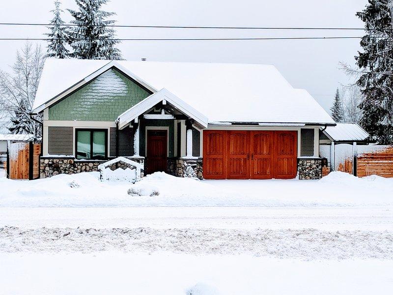 Skyline House 120 km from Jasper National Park, holiday rental in Valemount