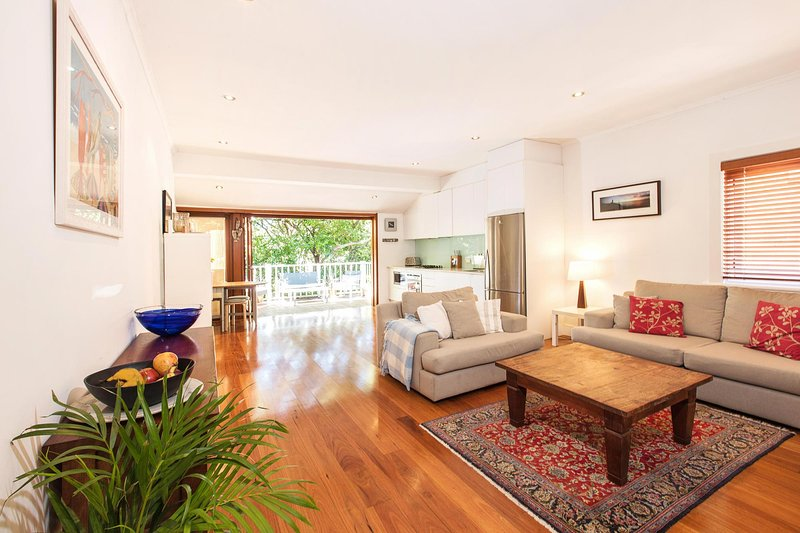 Lovely open plan Bondi Beach holiday home