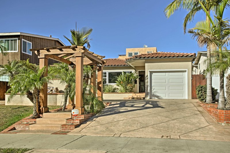 Your San Diego vacation begins the moment you step foot inside this 4-bedroom, 2-bathroom vacation rental home!