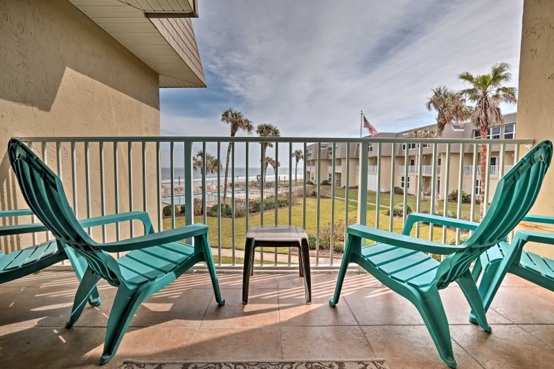 Sit back and relax at this 2-bedroom, 1.5-bathroom vacation rental condo in St. Augustine!