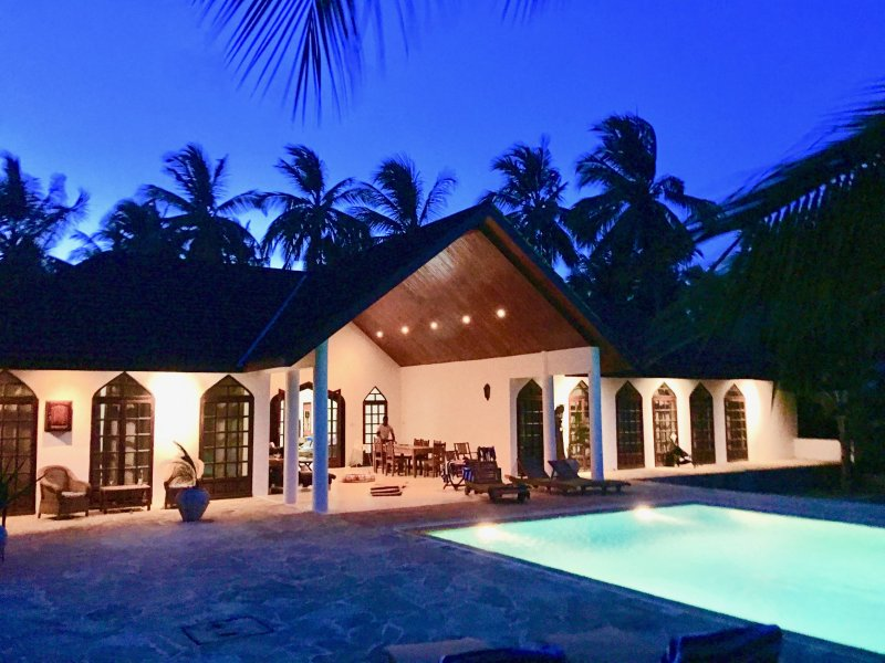Garden Beach Zanzibar, North House- private villa fully serviced, Ferienwohnung in Sansibar