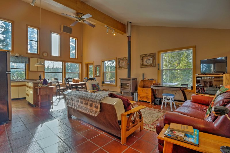 Experience peace and quiet during your stay at this secluded 2-bedroom, 1-bathroom vacation rental cabin in Fairplay.