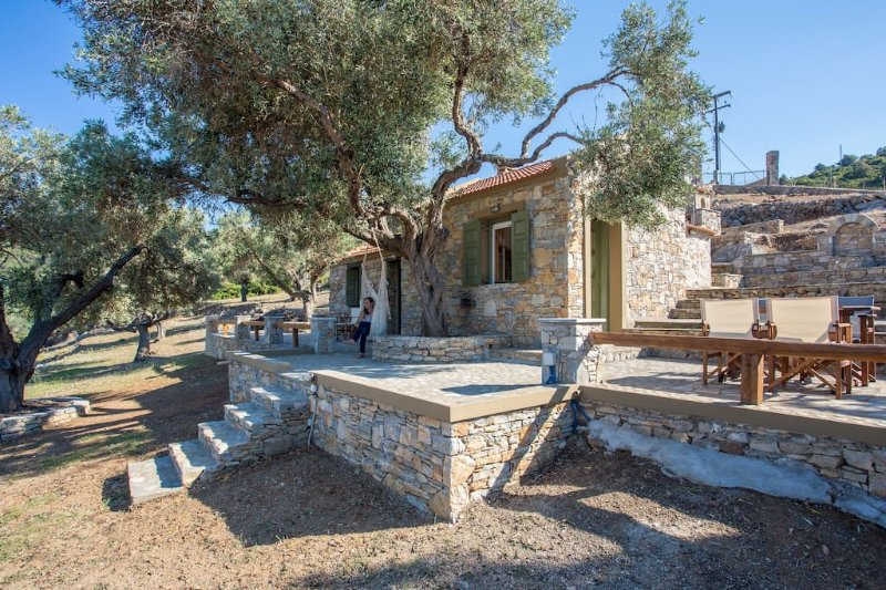 Casa Milos - Villa I, vacation rental in Alonnisos
