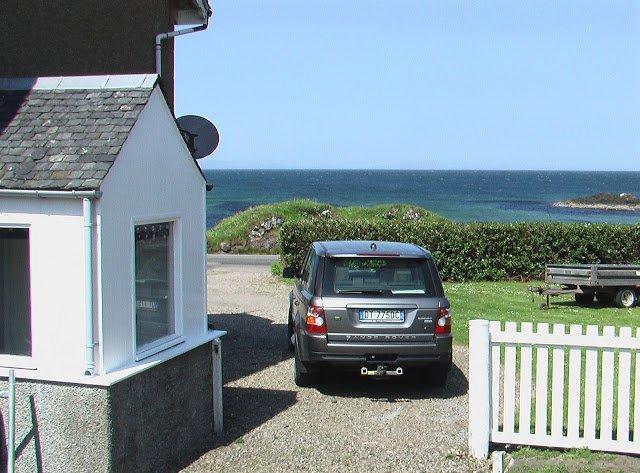 Seite des Hauses zum Meer