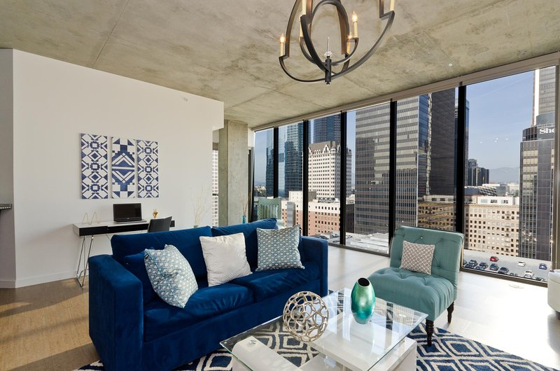 urban downtown la all windows penthouse has terrace and parking