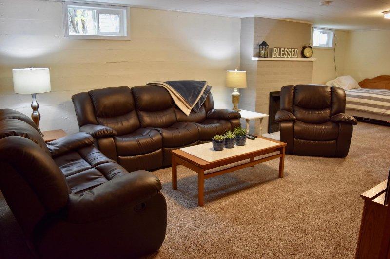 Quarto mais baixo nível da família - 2 salas de estar!