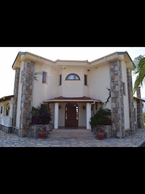 A stunning villa in 11,500 sq mtrs of pomegranate plantation