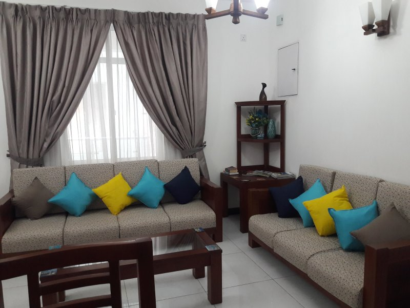 Mount Suite Apartment, holiday rental in Ratmalana