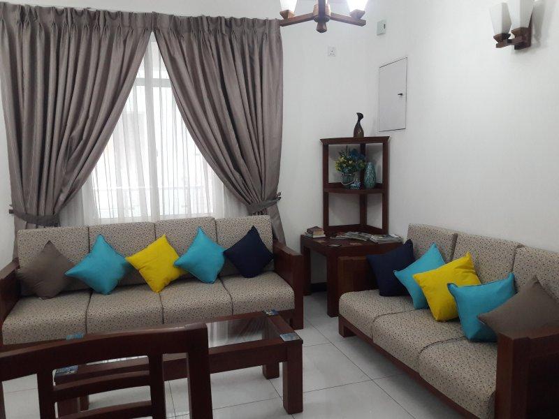 Mount Suite Apartment, vacation rental in Dehiwala-Mount Lavinia