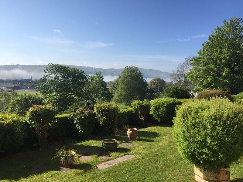 Ty sinamon, de la vue sur le jardin vers le lac de Bala Situé à 15 min