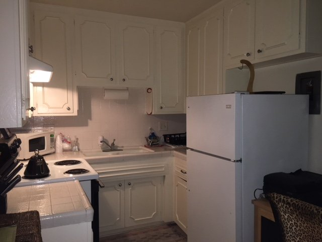 Full kitchen to save from eating out every meal