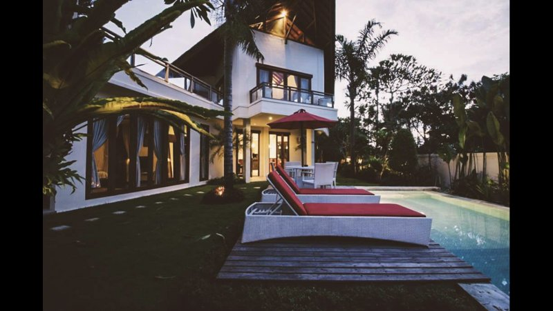All four bedrooms are decorated in traditional Balinese style and come with cosy bedding,