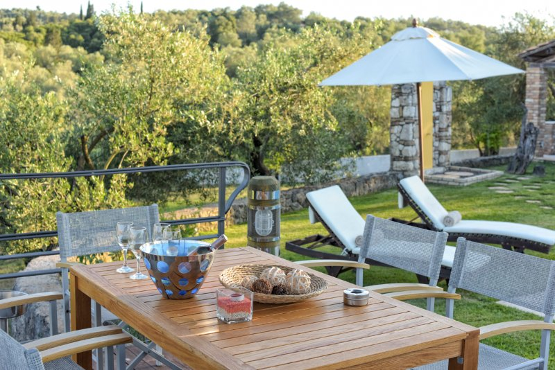 Danilia Villa Sleeps 18 with Pool and Air Con - 5364662, holiday rental in Temploni
