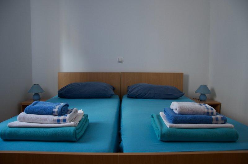Apartment Viveniti Blue, holiday rental in Klenovica