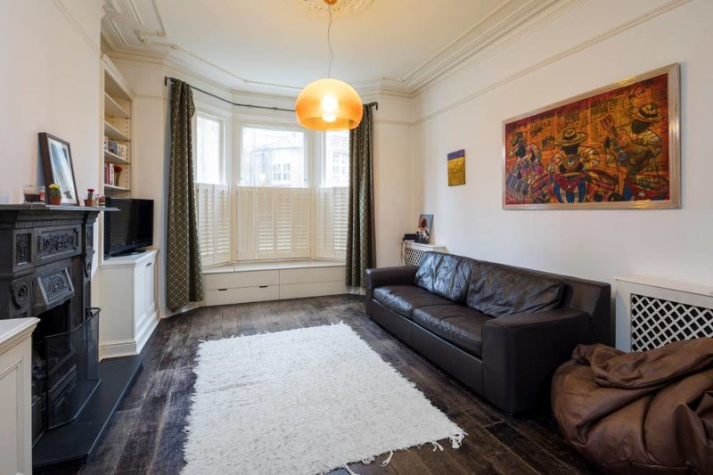 Charming 2 bed apartment in Queen's Park w/garden  UPDATED