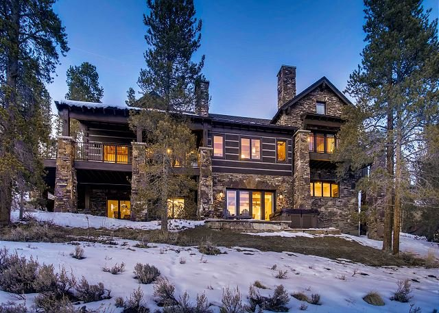 Luxurious Mountain Lodge featuring privacy and amazing views! Close to Breck!, vacation rental in Breckenridge
