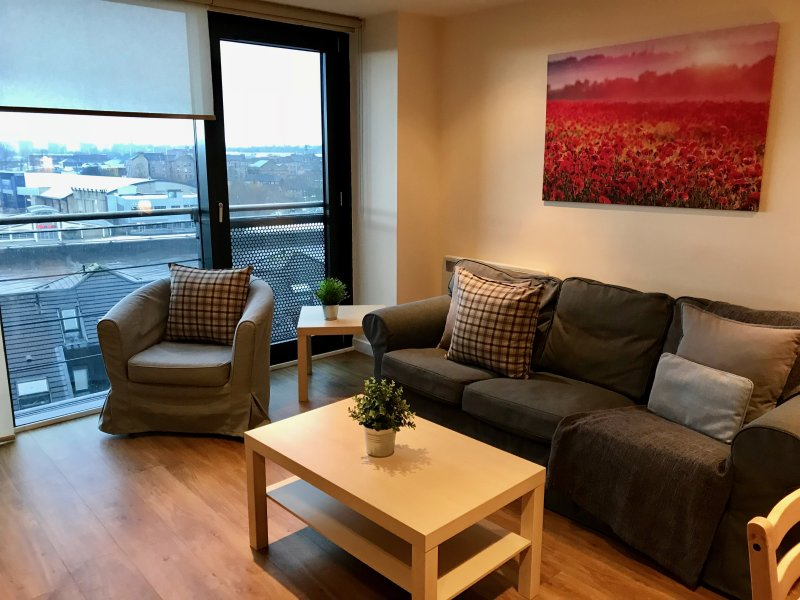River Heights Glasgow, Mins from Hydro & SECC, holiday rental in Giffnock