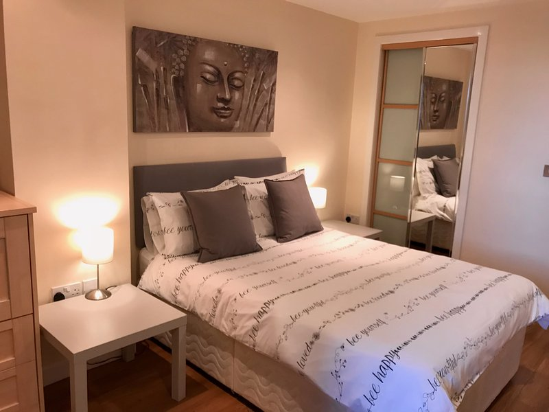 River Heights Glasgow- Mins from Hydro & SECC, holiday rental in Giffnock