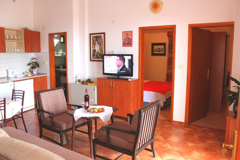 NR -Comfort Two-Bedroom Apartment with Sea View,for 6 persons,85 m2, holiday rental in Sveti Stefan