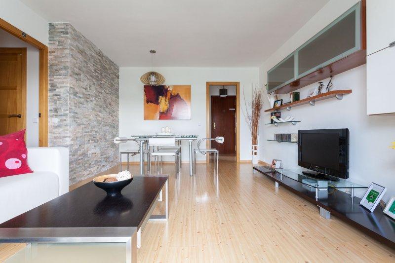 Moderno apartamento sevillano bien conectado.WI-FI, alquiler de vacaciones en Sevilla