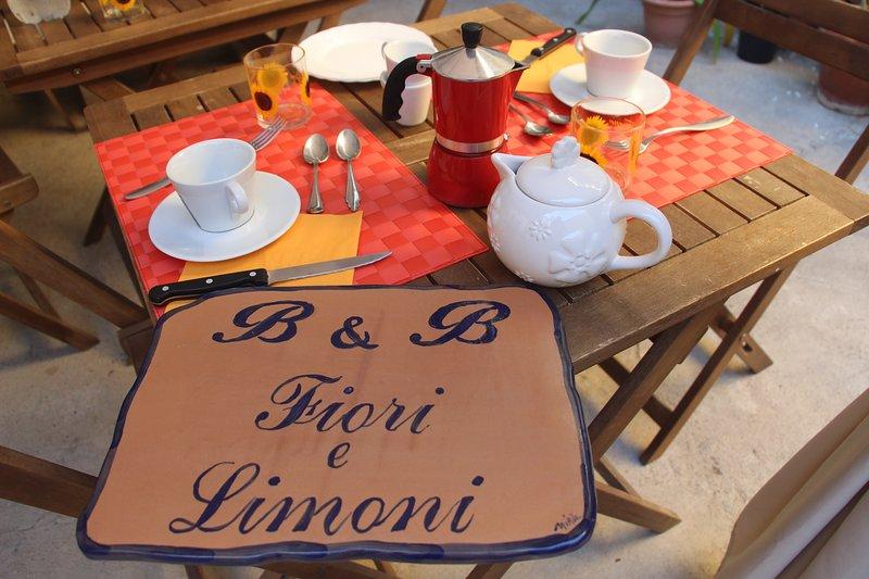 Bed & Breakfast Fiori e Limoni - camera Sole, holiday rental in Sinnai