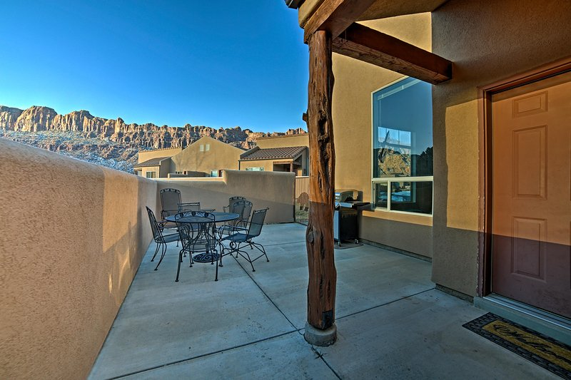 Sit on the patio and enjoy fabulous sunsets over the La Sal Mountains at this 3-bedroom, 2-bathroom Moab vacation rental townhome.
