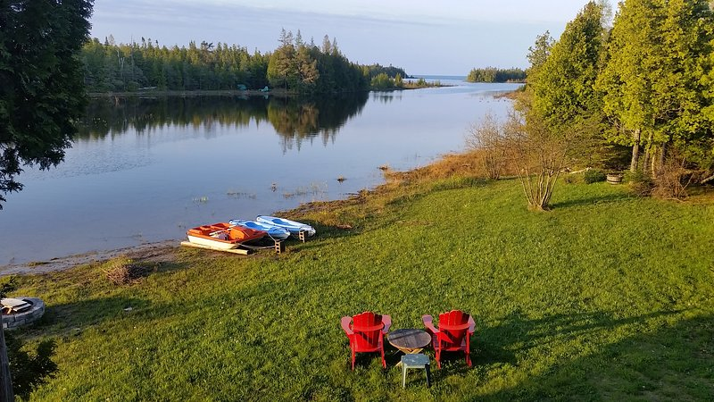 Willow Bank - Private Lakeside Retreat- Tobermory, alquiler de vacaciones en Bruce County