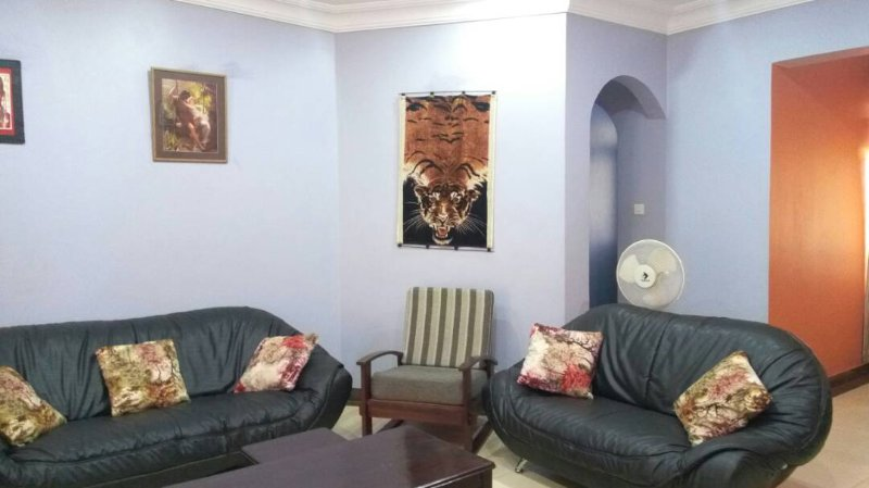 Cheap Accomodation in Kampala Full furnished house  #WITH Free Airport service., location de vacances à Kampala
